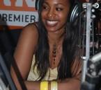 Jessye Belleval dans les studios de TRACE FM en Martinique