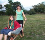 Juliette & Vanessa ds la brouette