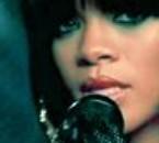 Rihanna-011