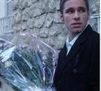 moi en mode bien sappé avec un jooooolie bouquet mdr