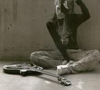Miyavi .. <3 Cette photo je l'aime trop .. !!!! :DD