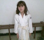 ma soeur en kimono attention les gars !