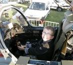 Mon fils Thomas dans un Jaguar (14/09/08)