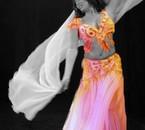 ma 1er passion ; la danse orientale (biento photo de moi ^^)