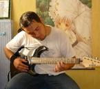 Mon chéri et sa guitare éléctrique (Juin 2008)