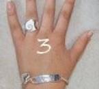 la main a marion avec la jolie bague