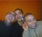 les 3 mousquetaires que 2 bon delire ensemble