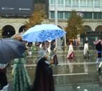 debajo la lluvia l offrenda de luceni