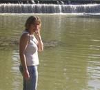 sandrine au bord de l'eau