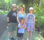 moi et ma petite famille que j aime!