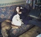 moi et mes chiennes Miss et Aya vive les photos de portable!