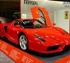 trop belle cette Ferrari elle est bien propre normal!!!