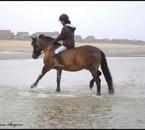 Amandine et Saphir pendant notre sortie à la mer =)