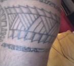 tattoo mollet droit dessin polynesiens