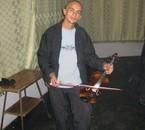 c moi omar avec le violon