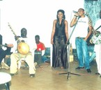ALI SPY'DI avec un groupe Malien