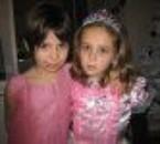 Les petites chéries, Laura et Naomi