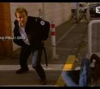 Boher s'élance à la poursuite du scooter...