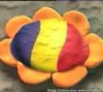 Floare (fleur avec drapeau roumain)