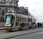 -[ Tram : T2000 ]-   STIB