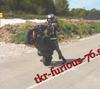 moi en roue avec mon scoot