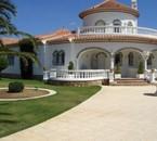 aware la villa