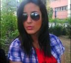 Chui pas un mannequin mais juste une fille au teint algerien