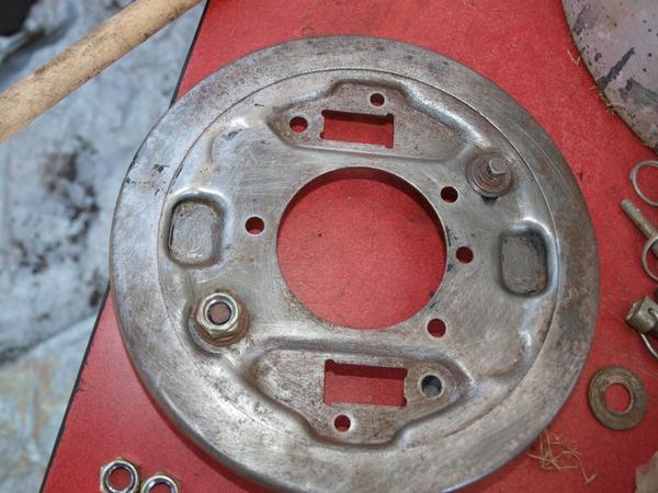 La modifié du réglage de l'avancé des mâchoires sur le tambour