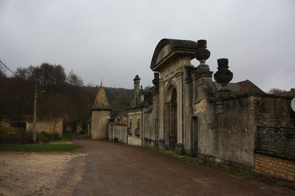 Abbaye royale Saint-Nicolas de Septfontaines