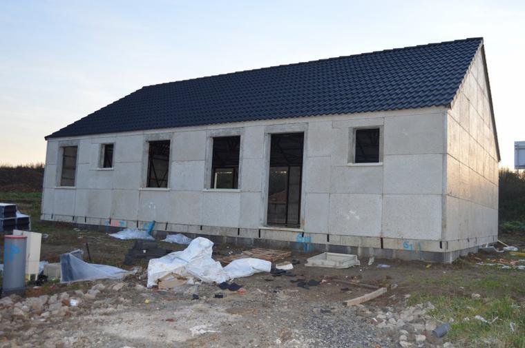 Le 07/11/2015 achévement de la toiture