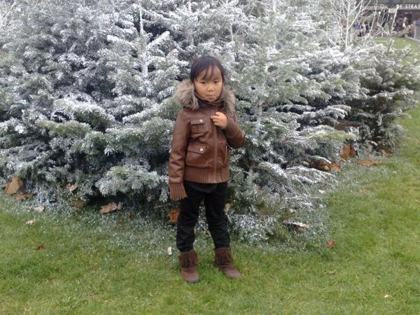 Snei Oun Cheanich - vocal by Battambang