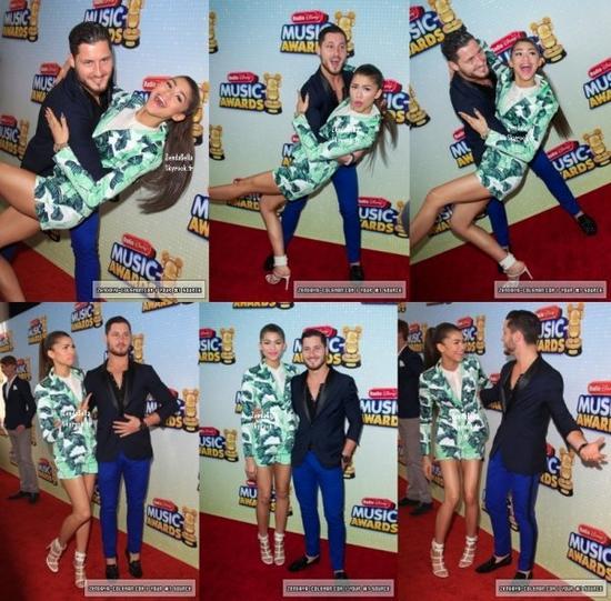 Zendaya et Val au RDMA (Radio Disney Music Awards) le 27.04.13