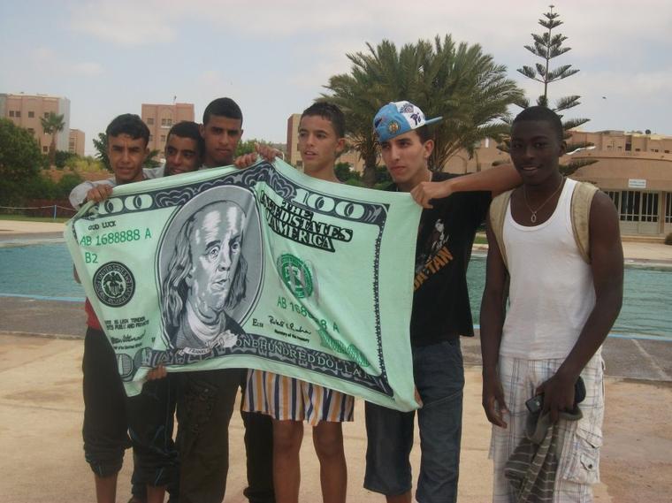 .......................$$$$$$$$.........Best vos amis à moi..........$$$$$$$$..................