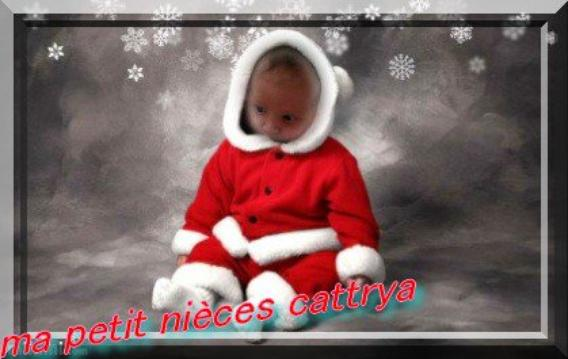 ♥♥♥♥ Tout simplement ma petit nièces adoré en père noël n'est telle pas mignonne ♥♥♥♥