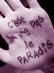 vie ta vie& ne fait pas s'que les gents te dise de faire. laisse toi allé (L)