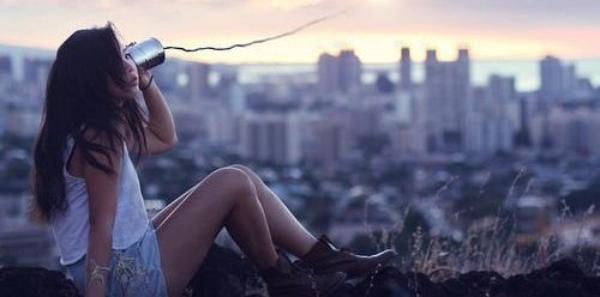 La distance est l'une des pires souffrances quand le coeur ne peux pas voir l'être aimé.
