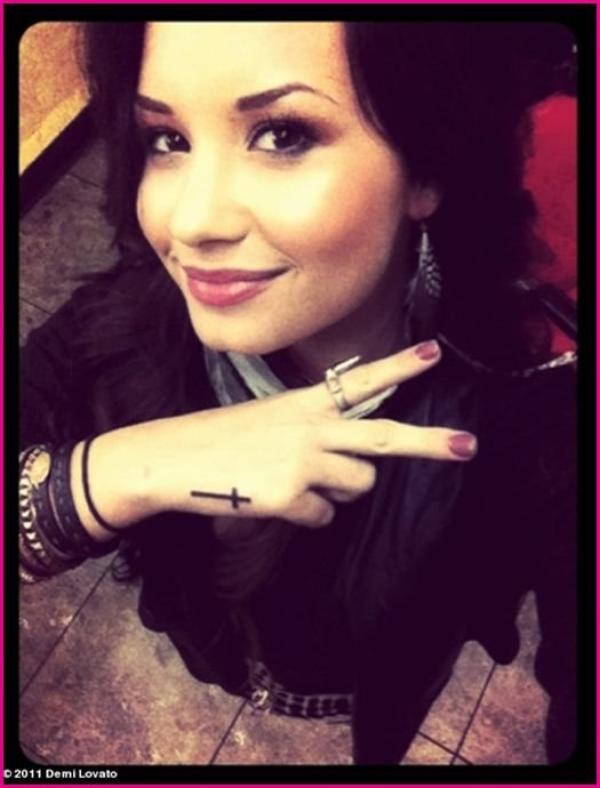 Demi Lovato image TWITTER