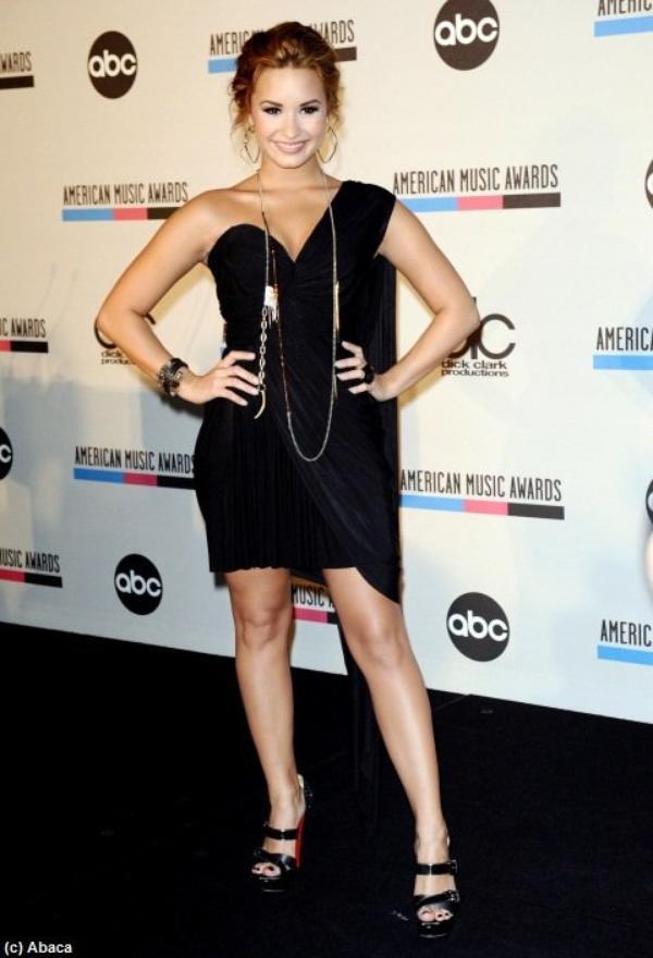 Demi Lovato a 19 ans : sa carrière de Camp Rock à Skyscraper en photos