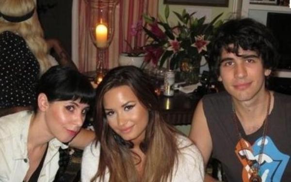 Demi Lovato : Un rendez vous avec Nick Simmons ?