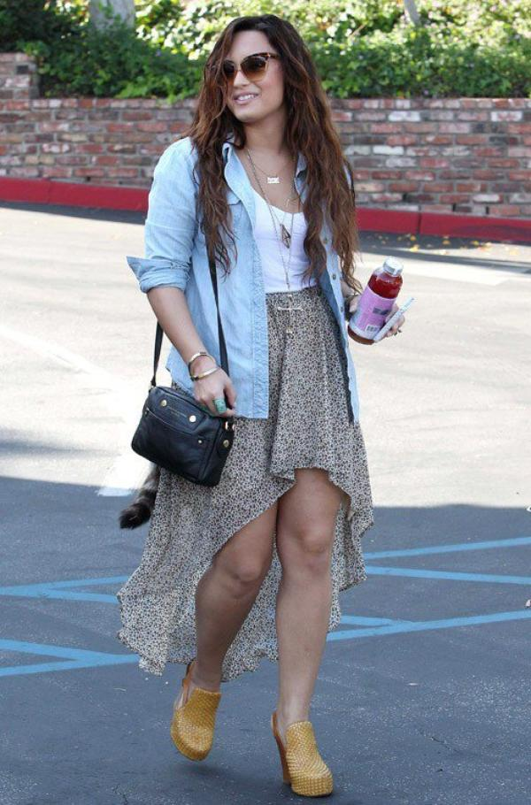 Photos : Demi Lovato : elle va jouer les demoiselles d'honneur pour une de ses meilleures amies !