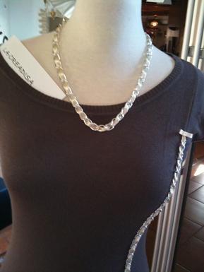 a vendre robe chocolat chaine à ruban satin écru + le collier assorti 12 ¤ OU 8 ¤ LE KIT A FAIRE VOUS MEME