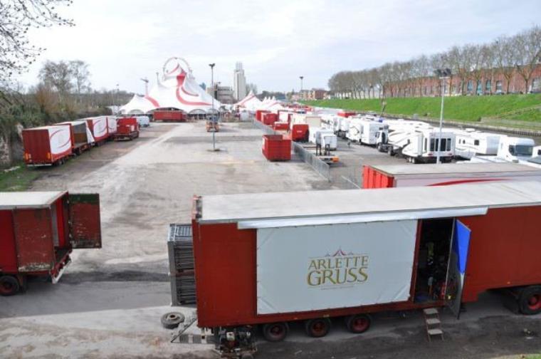 Arlette Gruss > Notre installation à Valenciennes sur les bords du canal .
