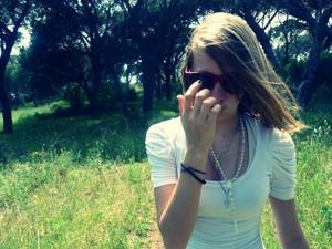 J'ai tellement était conne d'être tomber pour toi, j'ai tellement mal sans toi..