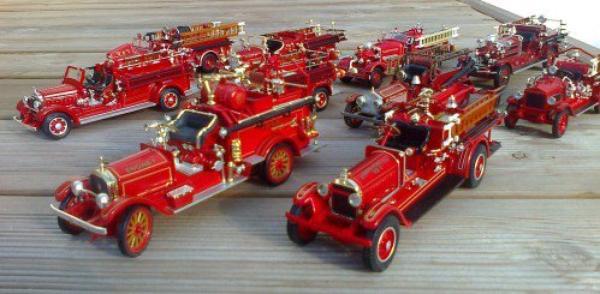 Hymne des sapeurs pompiers de france.....VEHICULES ANCIENS