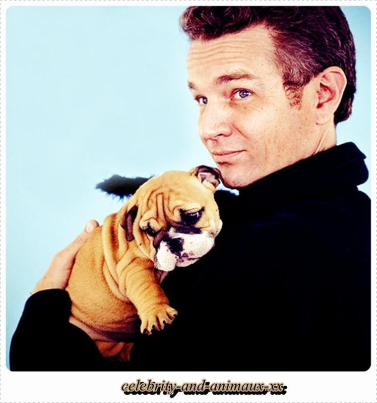 James Marsters et son bébé chien