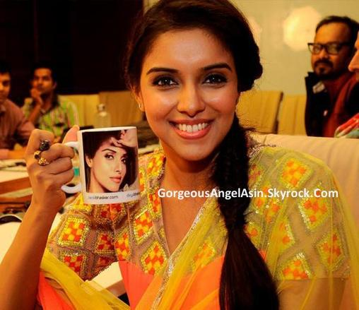 Asin's beautiful stills from Khiladi 786 promotions