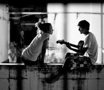 Pour être heureux, il ne suffit pas d'avoir le bonheur, il faut encore le mériter.