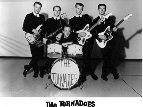 GHOST TRAIN  (zorba) par The Tornadoes