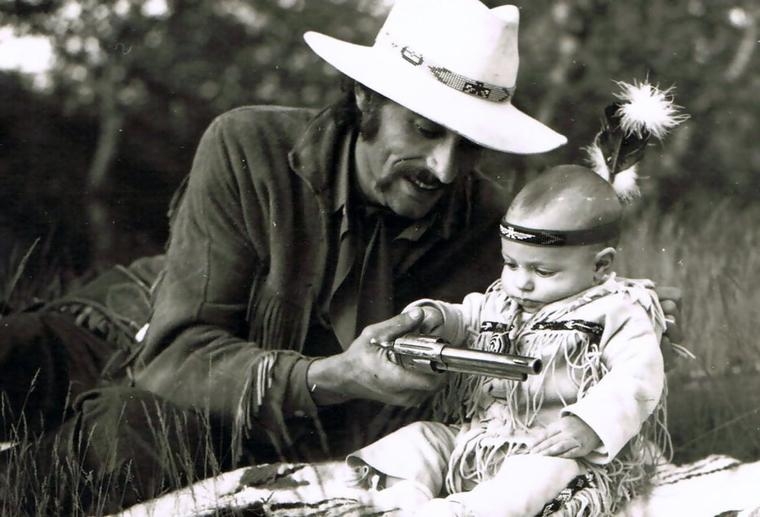-   13 sept 2009 - 13 sept 2011   -    hommage à Richard Luthers fondateur avec son épouse Chantal du manège El Cortijo    -