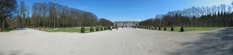 Bonjour à tous et à toutes, aujourd'hui, je vous propose une petite balade photos au château de Herrenchiemsee